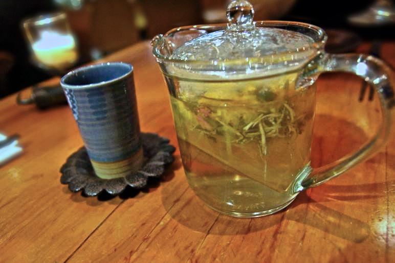 Herbal blend  : rose buds, chrysanthemum, lichen and fresh ginger