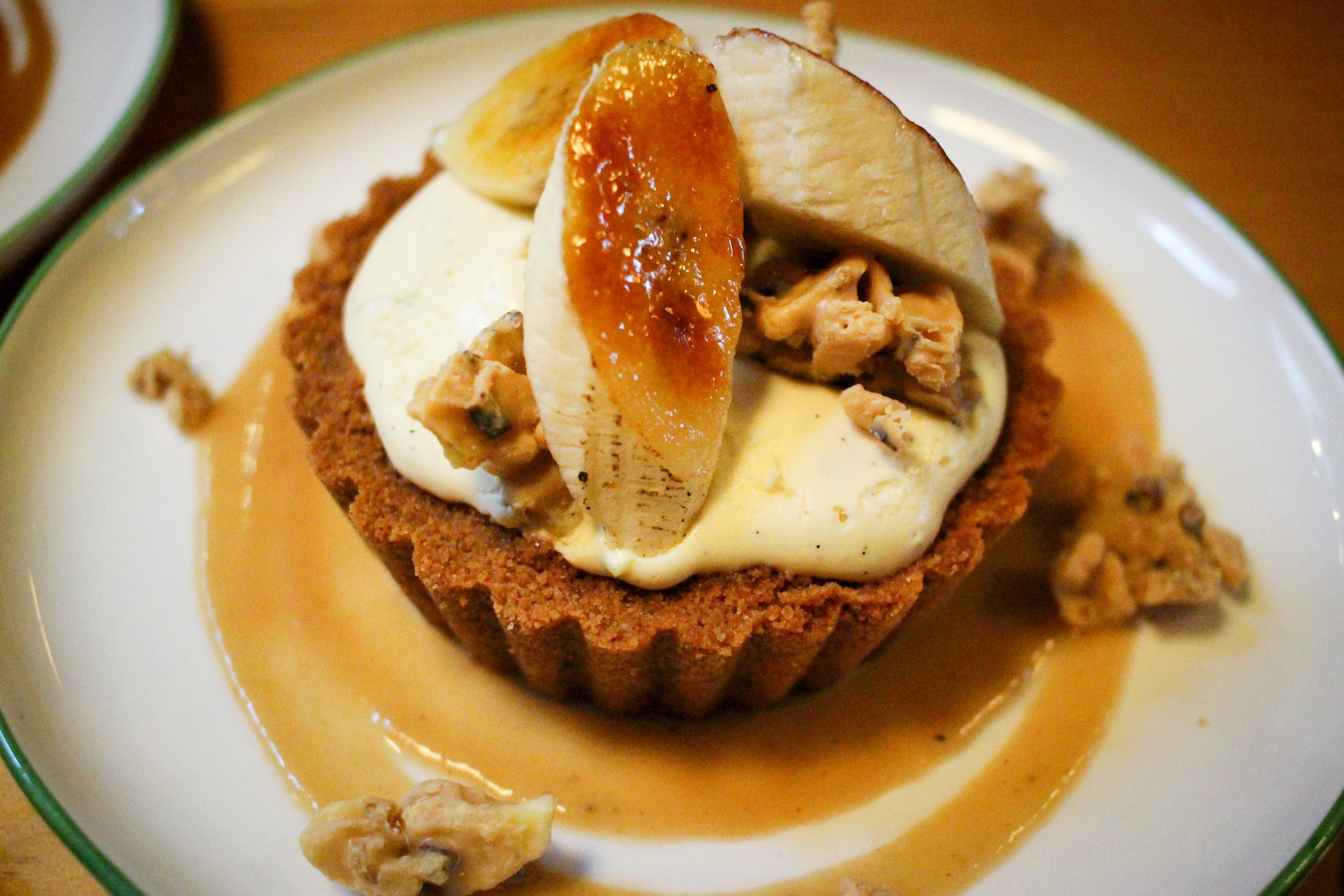 Banana–pear bavarian cream pie, pear butter, biscoff crumb, banana chip crunch