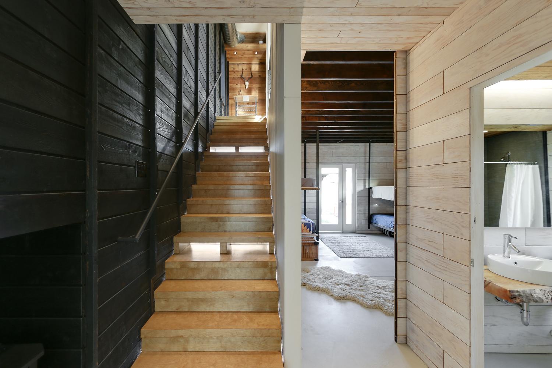 510-cabin-interior-hunter-leggitt-studio4.jpg