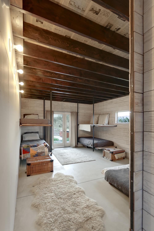 510-cabin-interior-hunter-leggitt-studio11.jpg