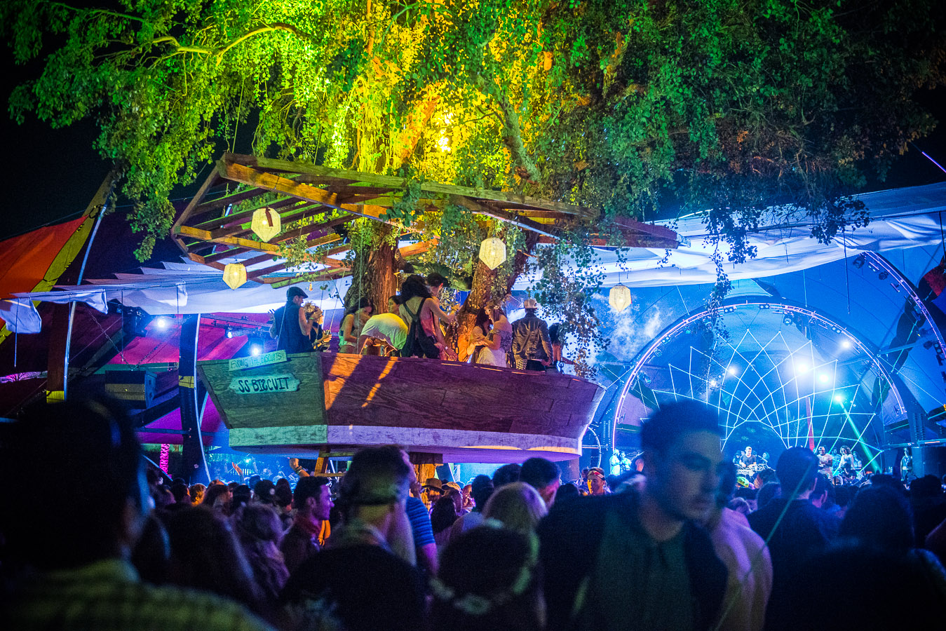 coachella-2015-dolab-tree-house-hunter-leggitt-studio-21.jpg