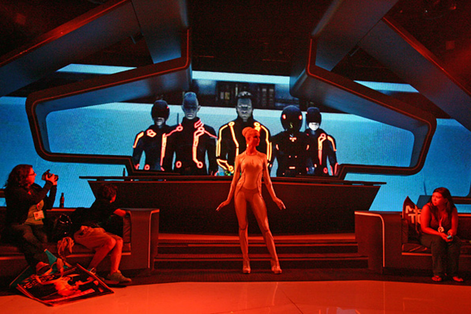 tron-comic-con-hunter-leggitt-studio-6.jpg