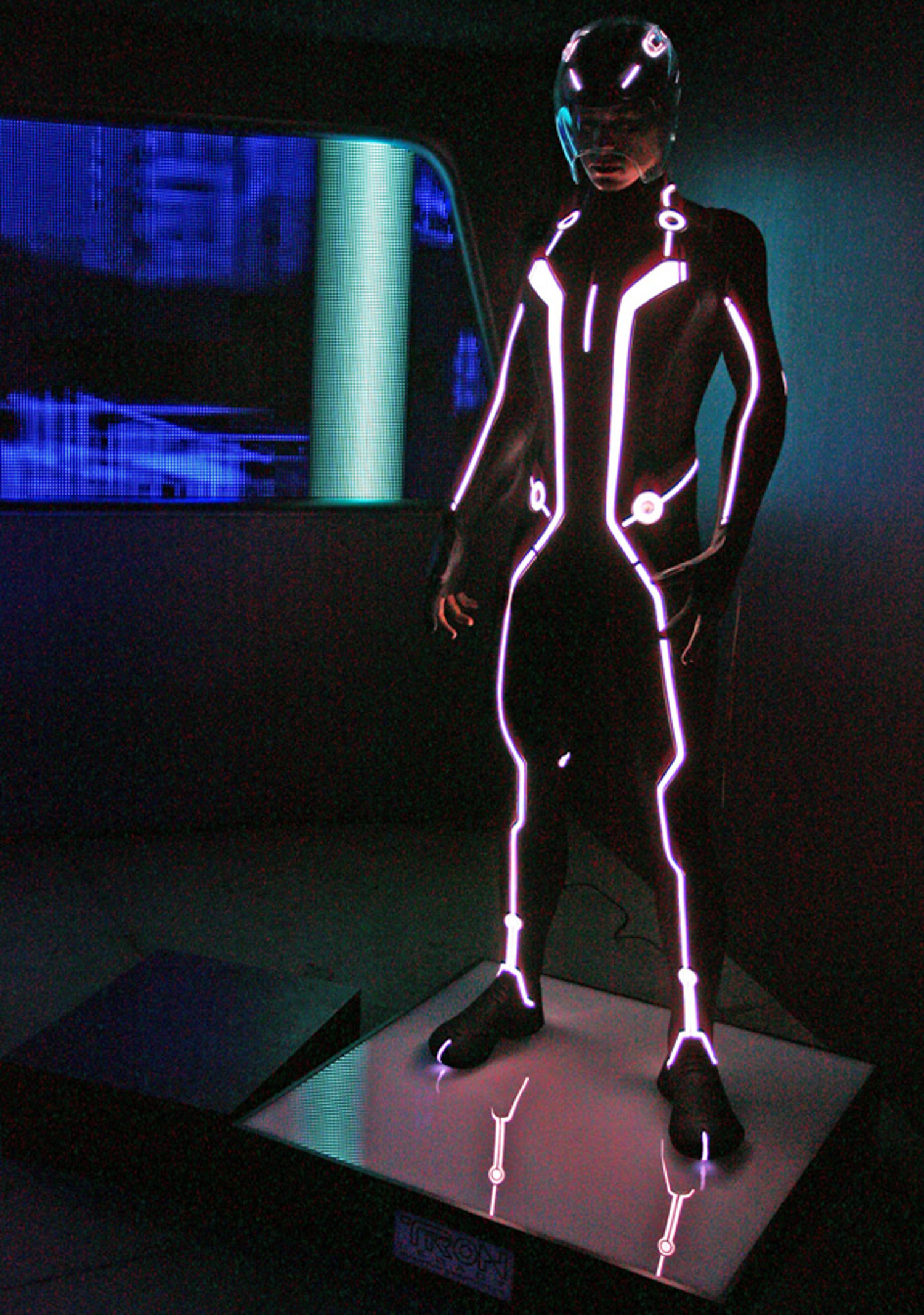 tron-comic-con-hunter-leggitt-studio-21.jpg