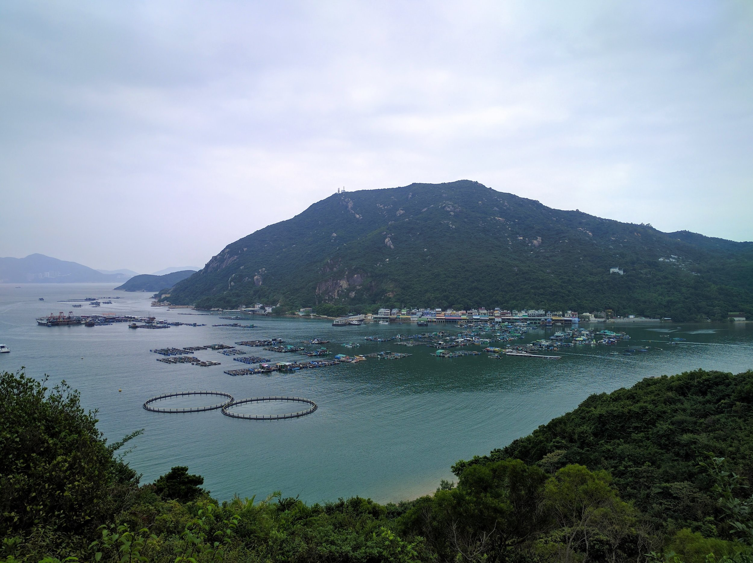Great view of Picnic Bay on our way to Yung Shue Wan // Hong Kong