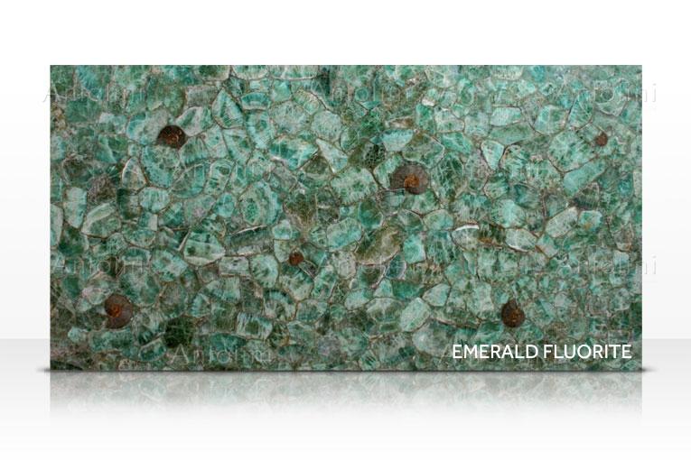 002-a_emerald_fluorite.png