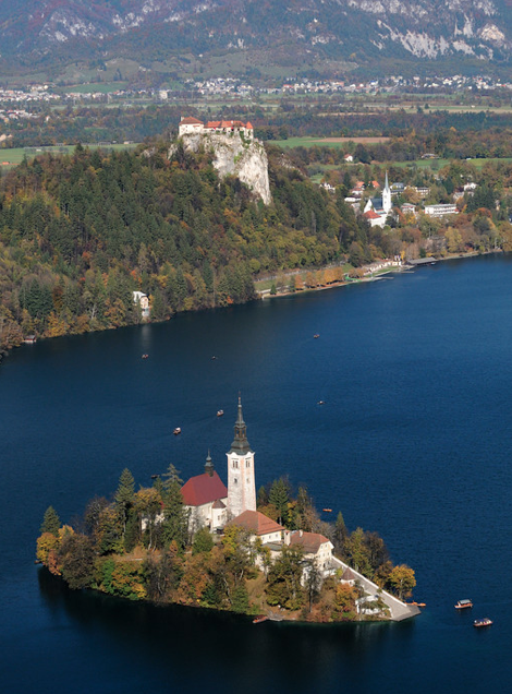 Bled lake on the DOORSTEP of the alps