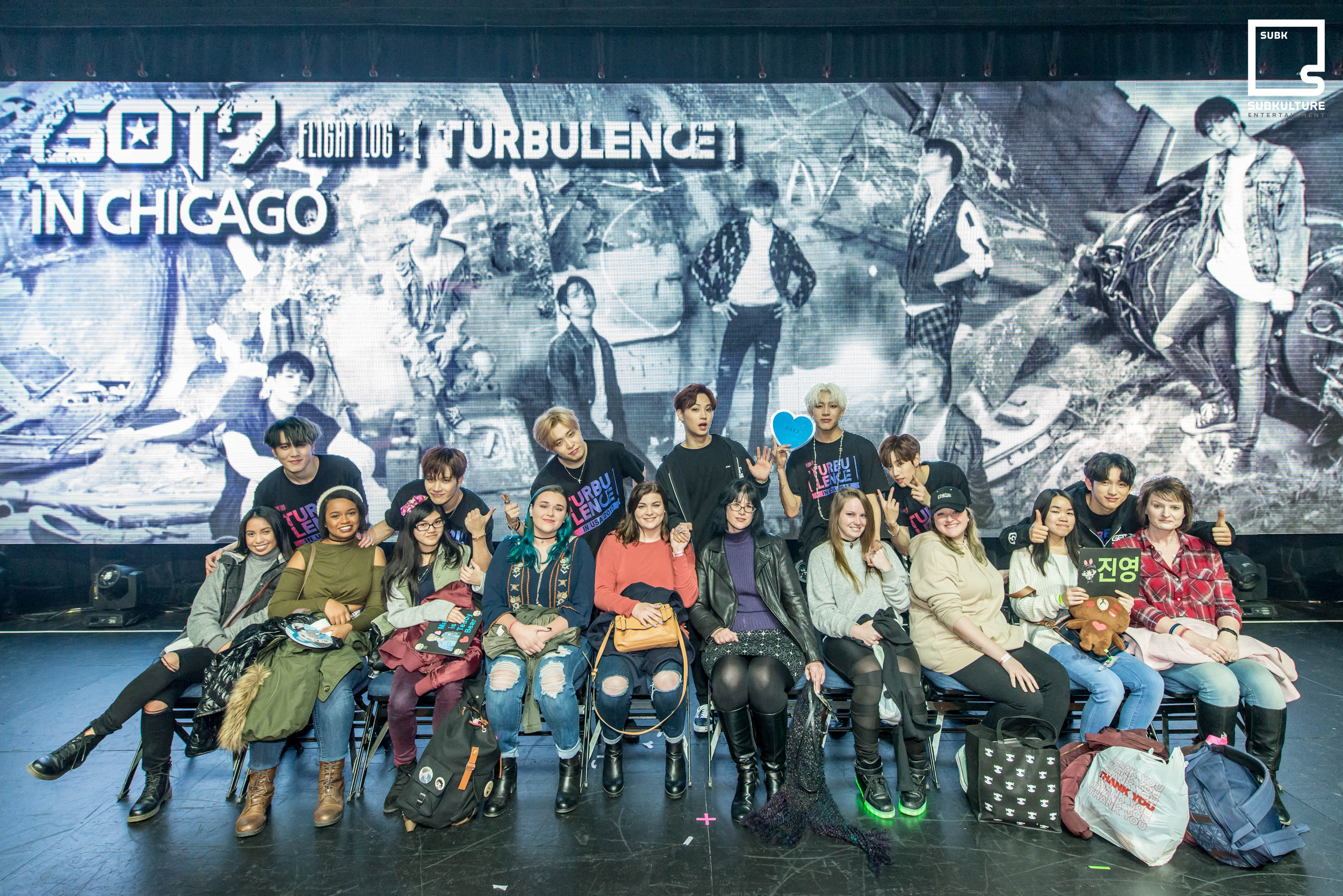 GOT7 Fan Photo Chicago Rosemont Theatre 2017 SubKulture Entertainment-3214 copy.jpg