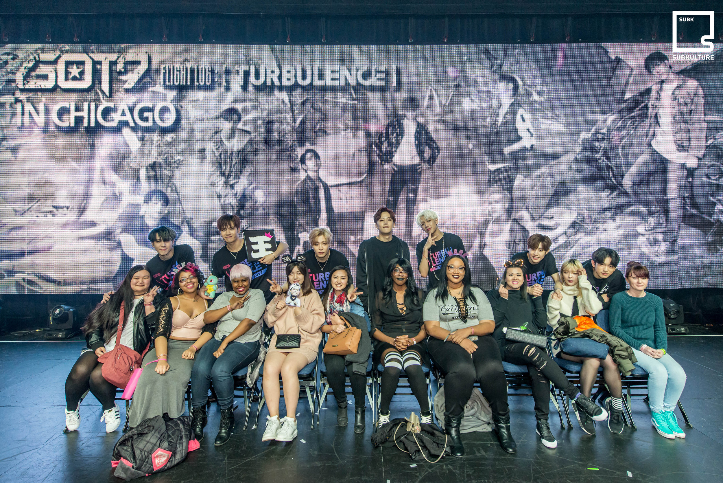 GOT7 Fan Photo Chicago Rosemont Theatre 2017 SubKulture Entertainment-3225 copy.jpg