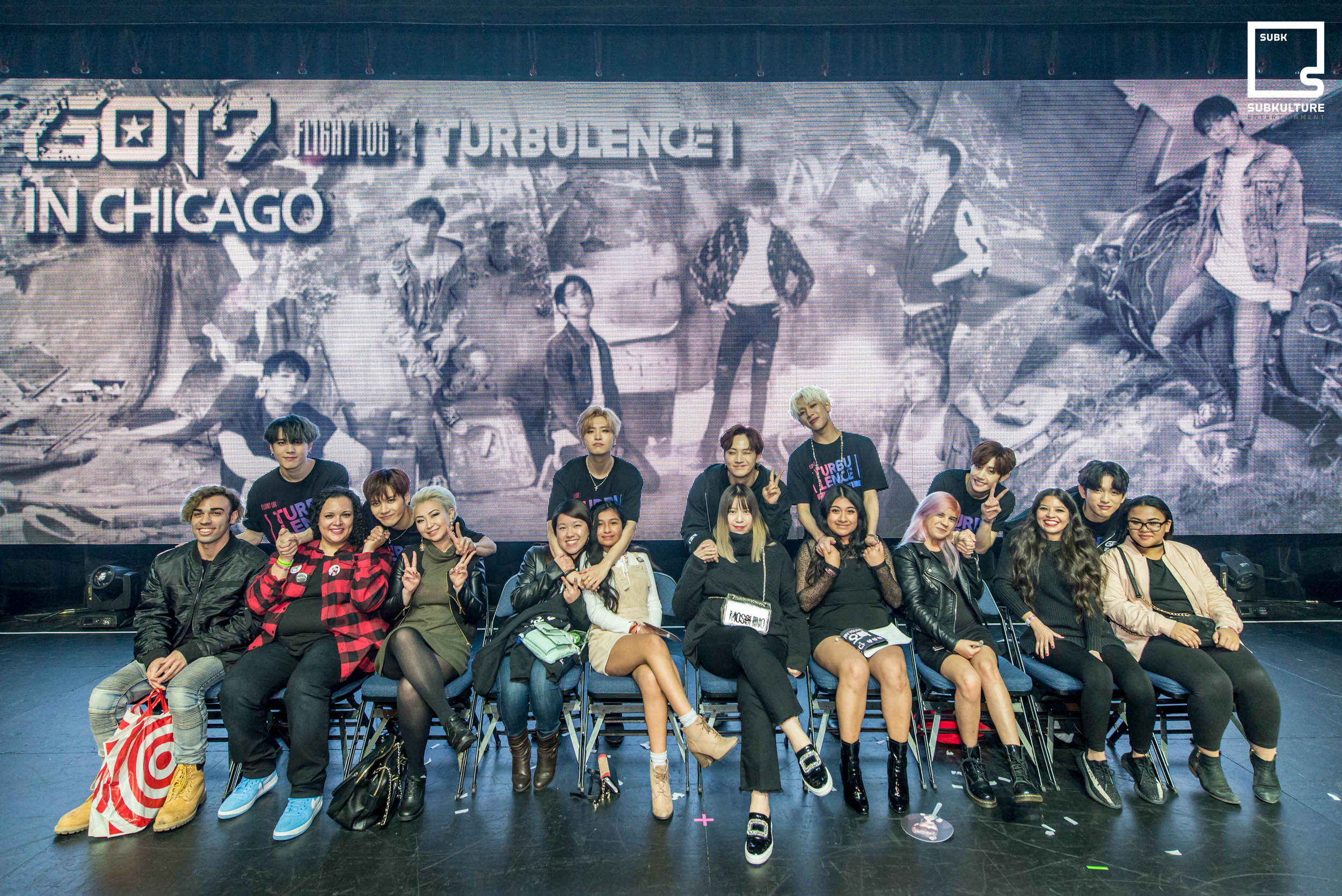GOT7 Fan Photo Chicago Rosemont Theatre 2017 SubKulture Entertainment-3237 copy.jpg