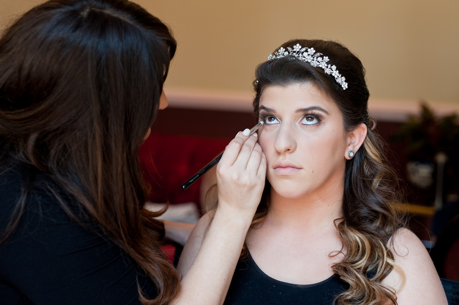 Orthodox Jewish Wedding, Dyker Beach Park and Golf Course, Brooklyn, New York, Bride Prep, Makeup, Photo by Chaim Schvarcz