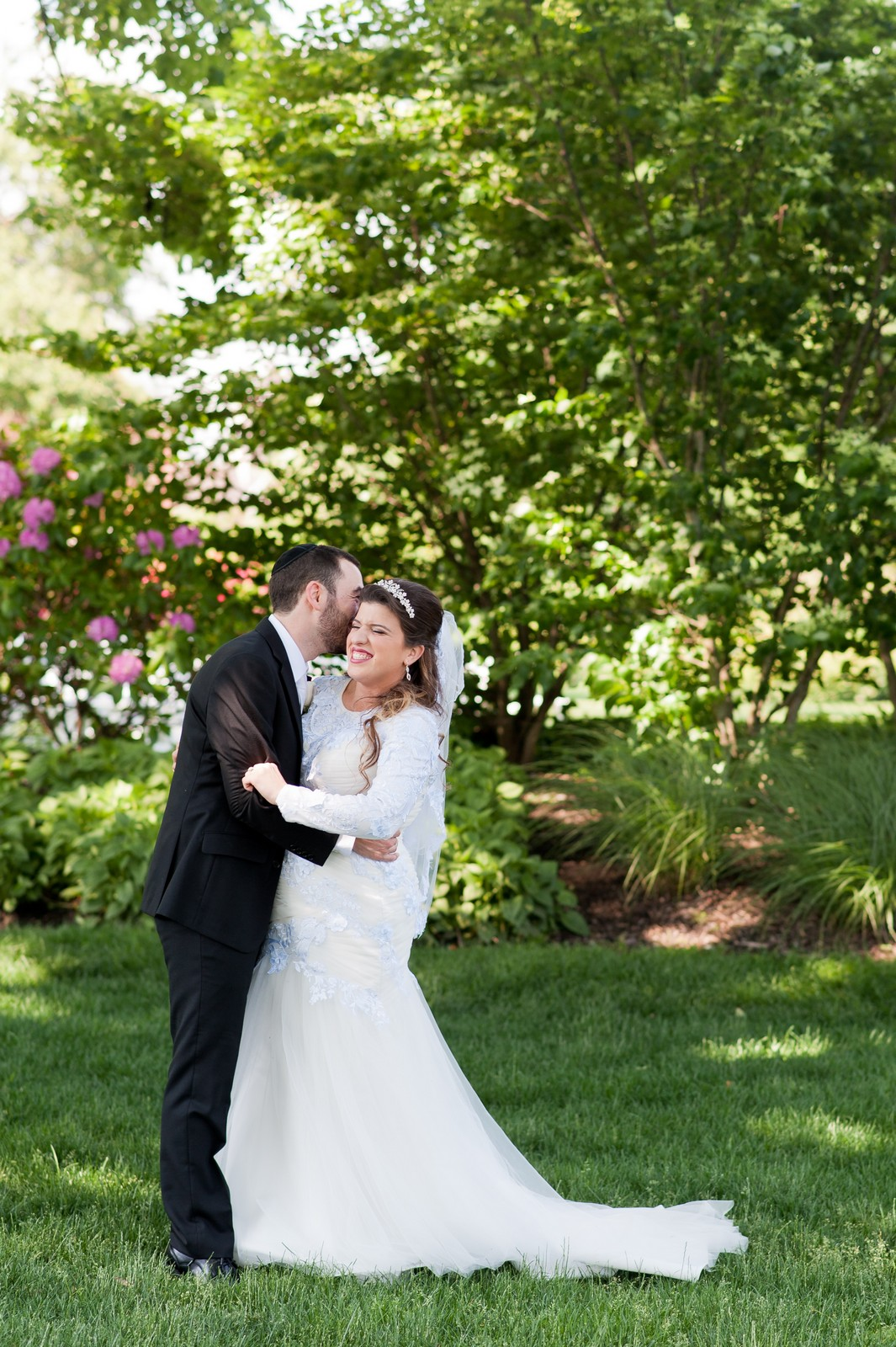 Orthodox Jewish Wedding, Dyker Beach Park and Golf Course, Brooklyn, New York, Photo by Chaim Schvarcz, Bride and Groom Portraits, Newlyweds