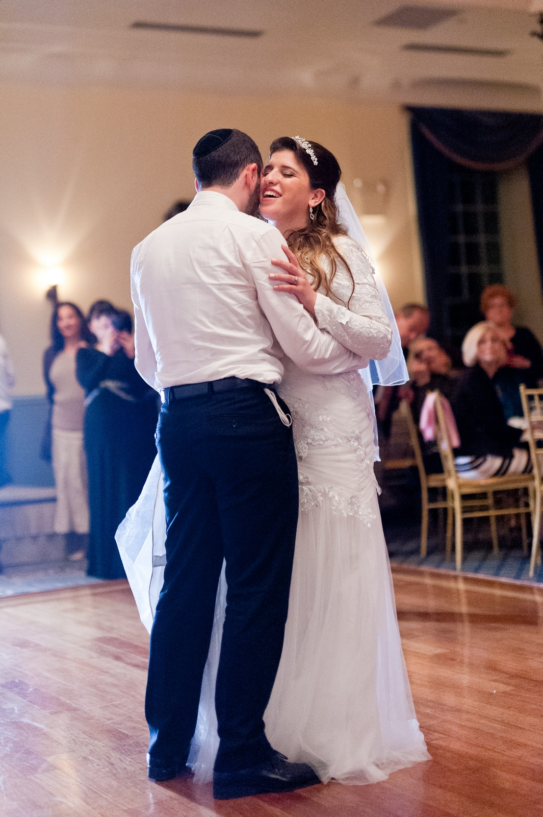 Orthodox Jewish Wedding, Dyker Beach Park and Golf Course, Brooklyn, New York, Photo by Chaim Schvarcz, Bride and Groom, Dancing, First dance