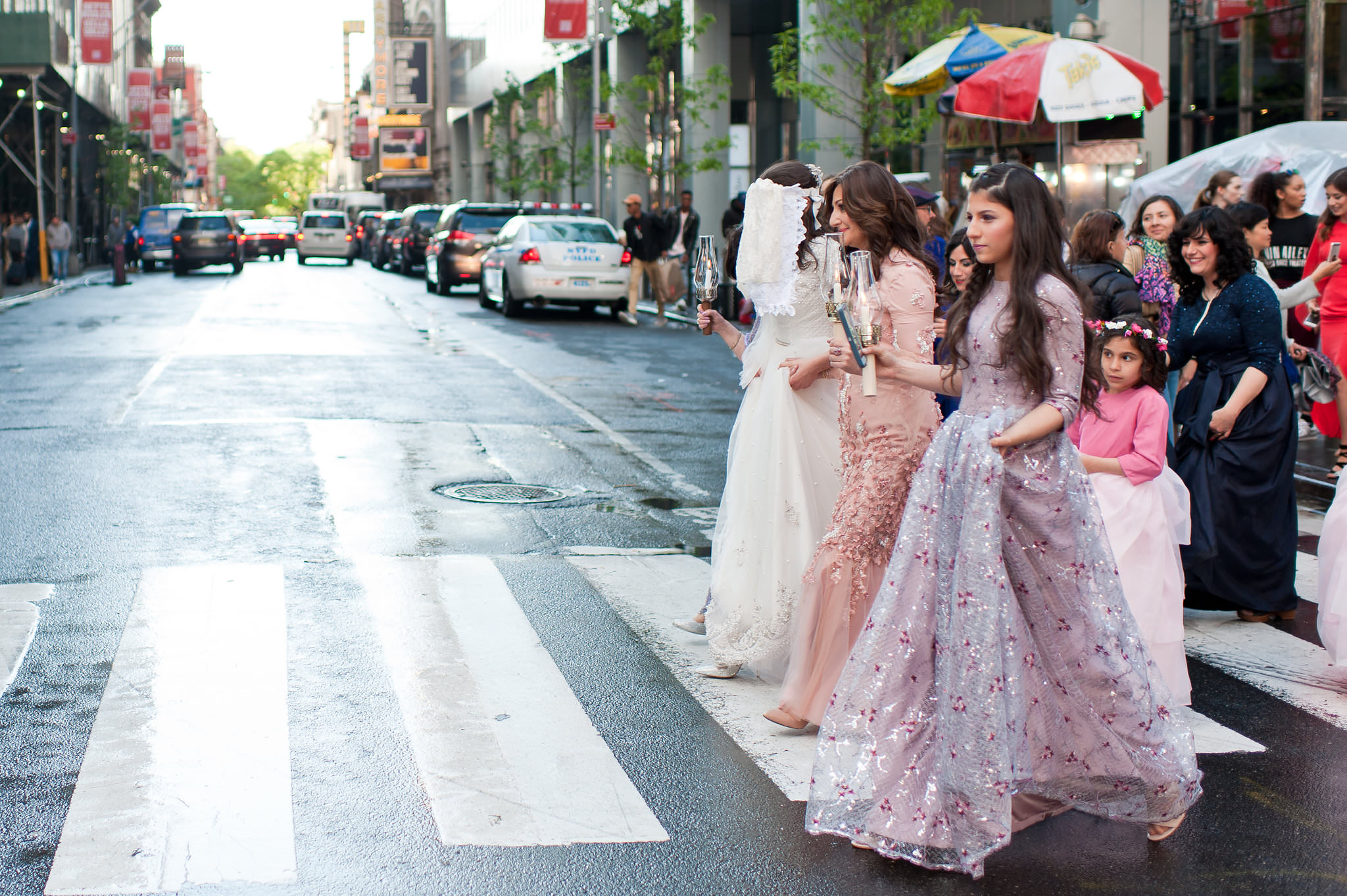 Historic Chabad Orthodox Jewish Wedding in Times Square Manhattan New York NYC Photo by Chaim Schvarcz, bride, walking down the isle, mother of the bride, mother of the groom
