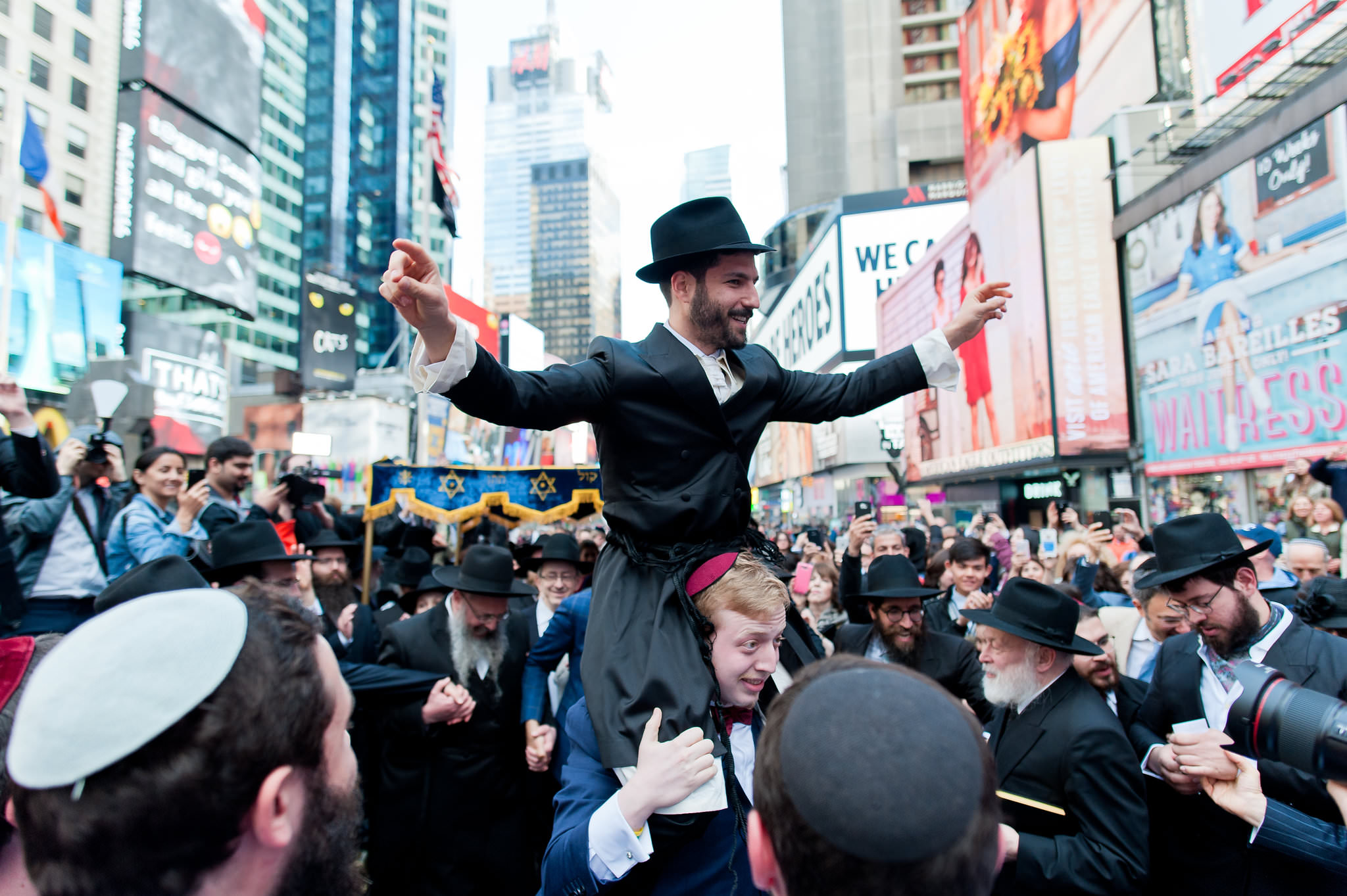 Historic Chabad Orthodox Jewish Wedding in Times Square Manhattan New York NYC Photo by Chaim Schvarcz, groom, groomsmen