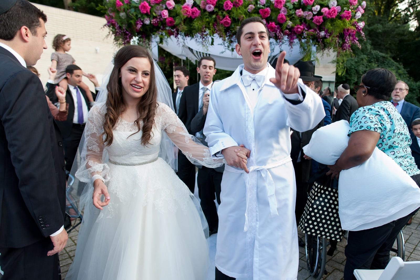 Josh and Michelle's Modern Jewish Wedding at Congregation Keter Torah, Teaneck, New Jersey Photos by Chaim Schvarcz, Chuppah, Bride, Groom
