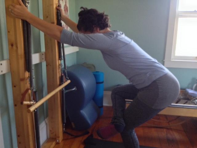 Standing hip/butt stretch