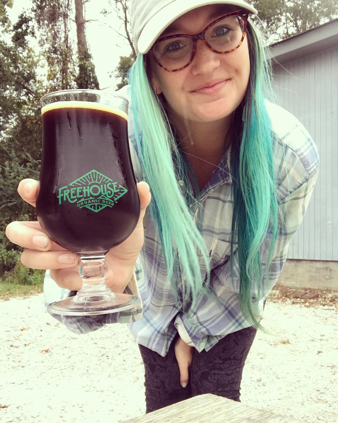 - @beergirl_meetsworld