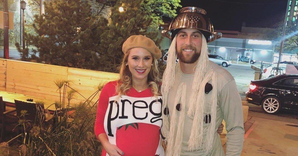 Adam Thielen & his wife announce that she's PREGO!