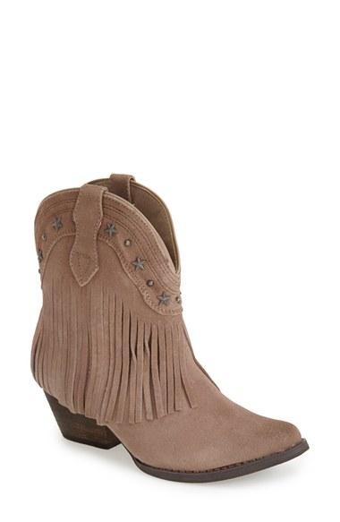 short fringe boots.jpg