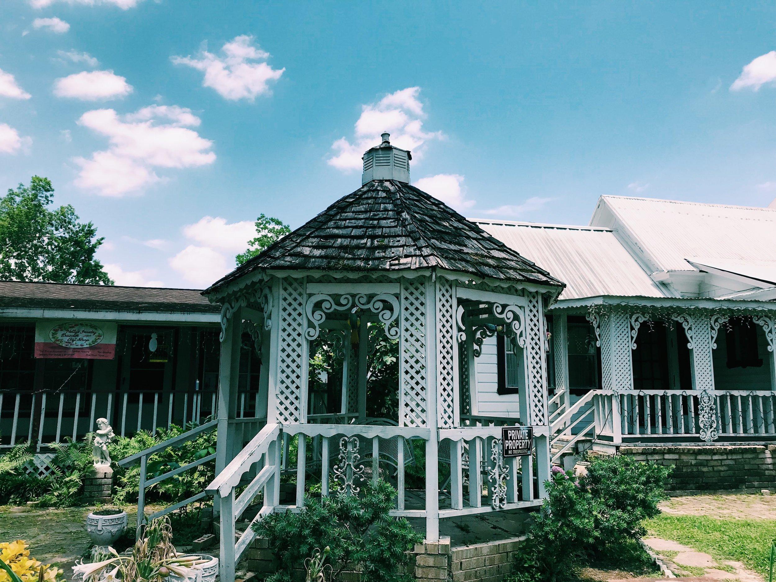 Three Heel Clicks - Houston Hotspots - Old Town Spring (2).jpg