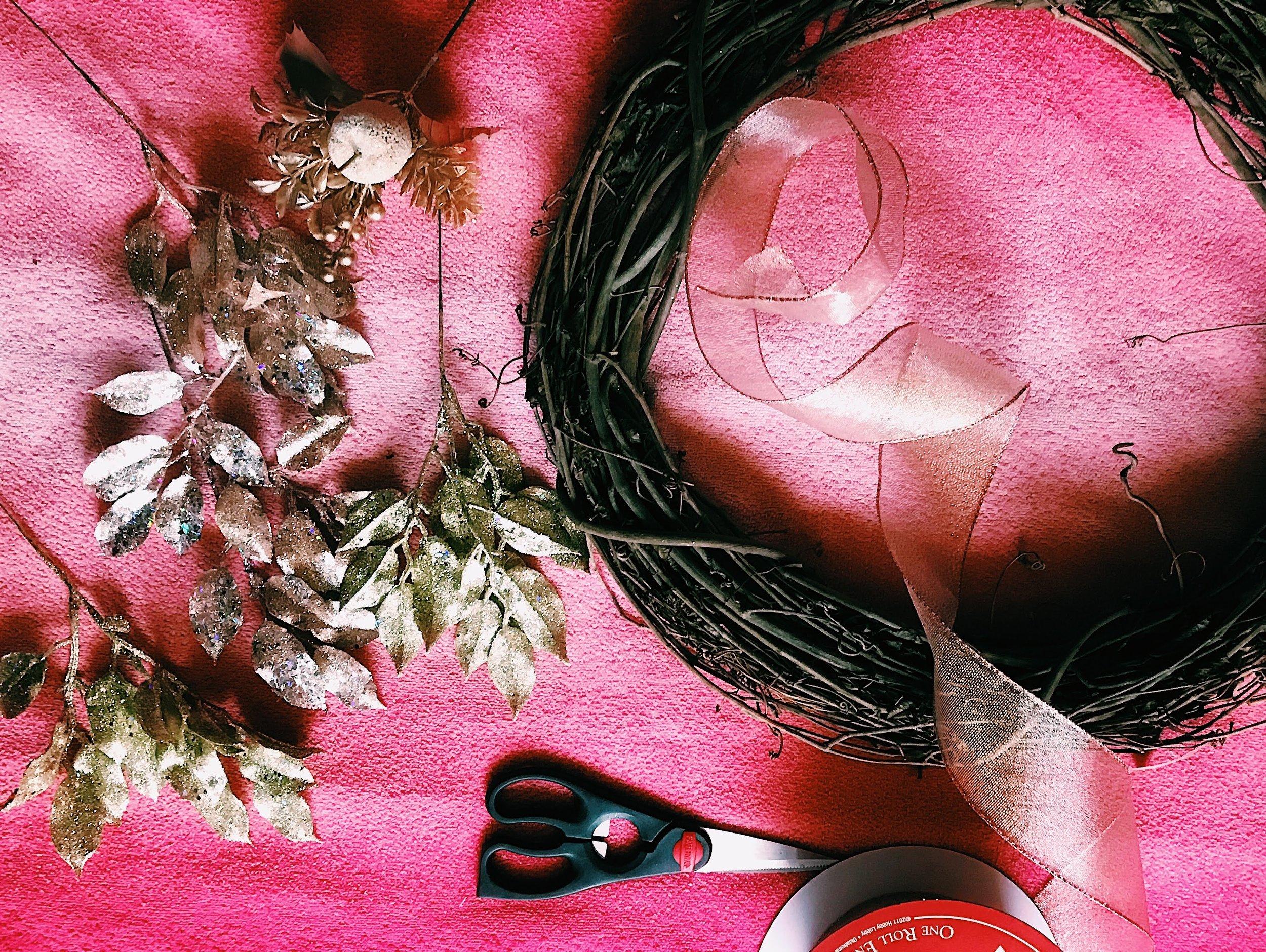 Three Heel Clicks - How to Make a Classy Holiday Wreath for $20 (11).jpg