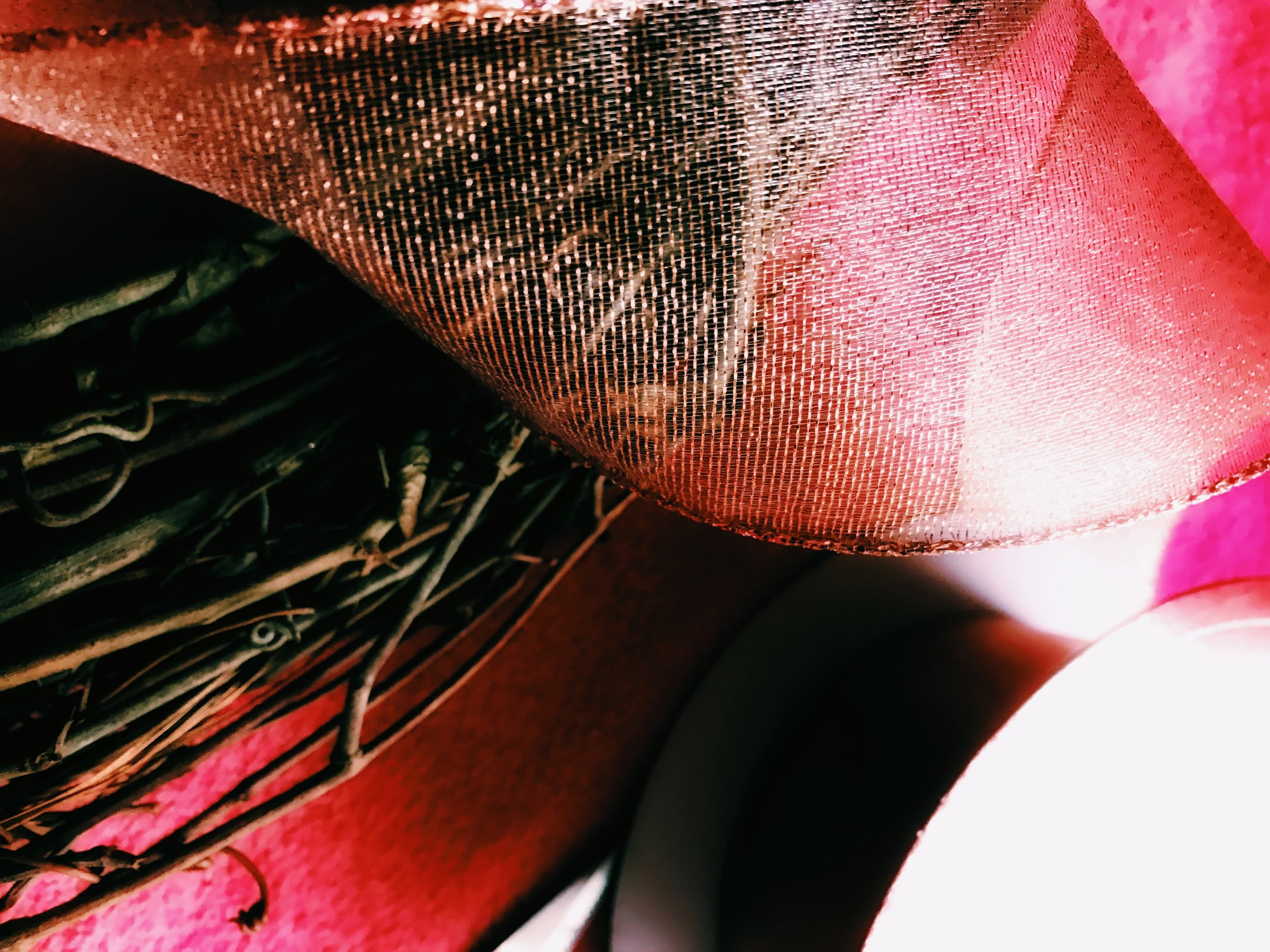 Three Heel Clicks - How to Make a Classy Holiday Wreath for $20 (18).jpg