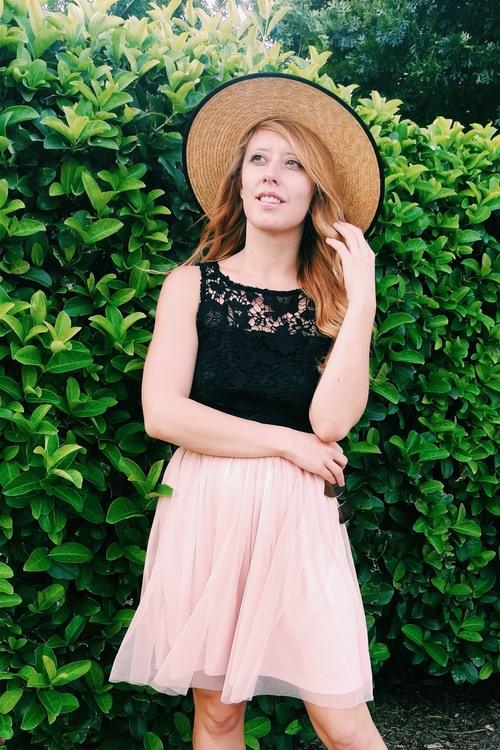Three Heel Clicks - Five Ways to Wear a Spring Garden Hat (6).jpg