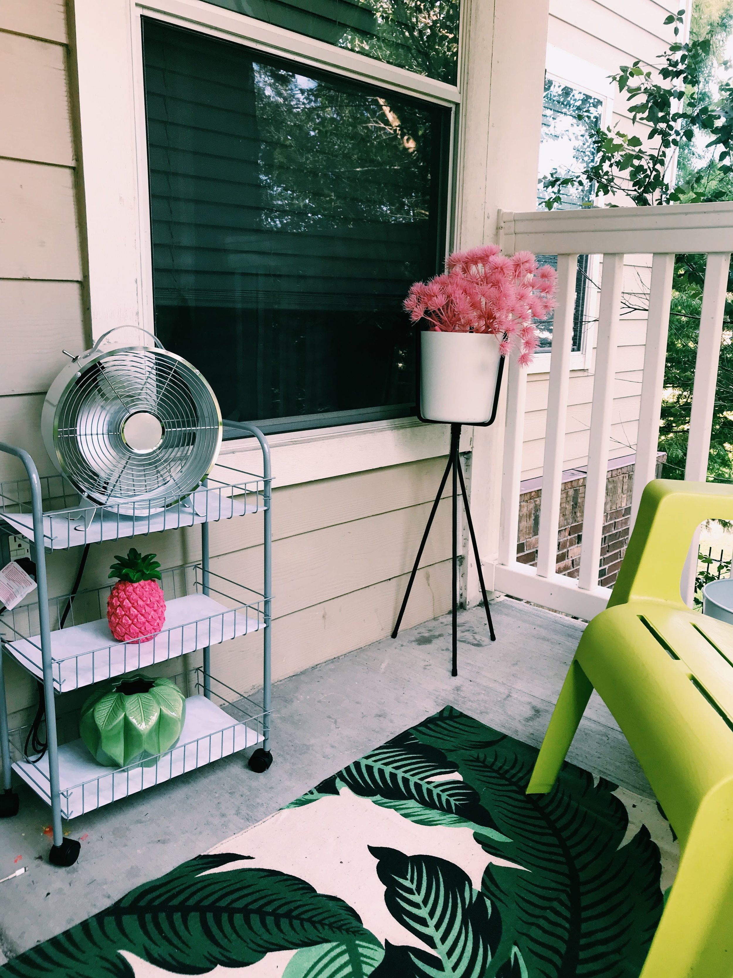 Three Heel Clicks - How to Decorate a Small Patio (7).jpg