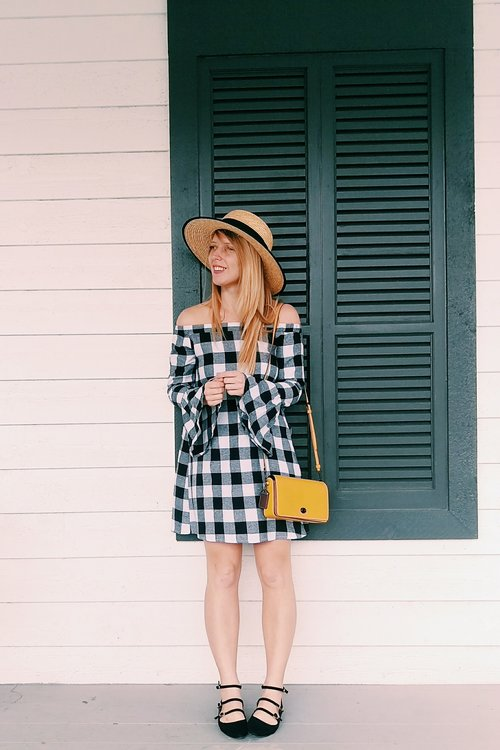 Three Heel Clicks - Capsule Suitcase - Five Gingham Outfits for Summer Vacation (11).jpg