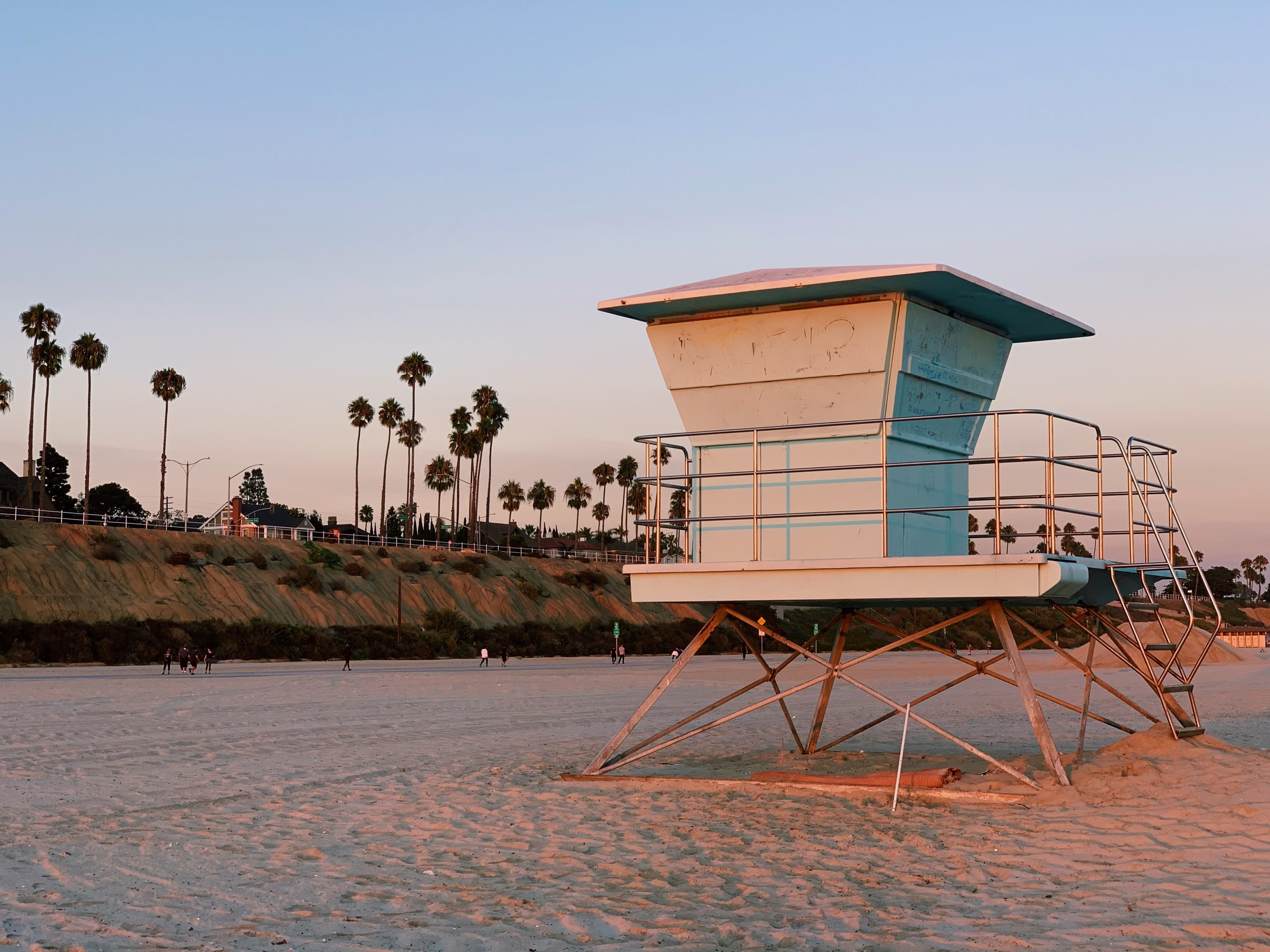 Three Heel Clicks - Scenes Around Long Beach