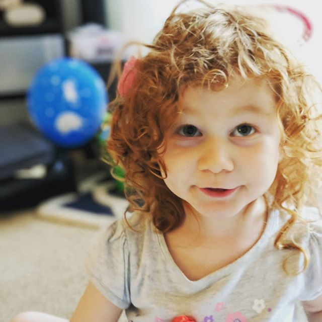 Hi. #redhairdontcare #curls #crazygirl #toddlerlife #silly #26weekspregnant #notherduh