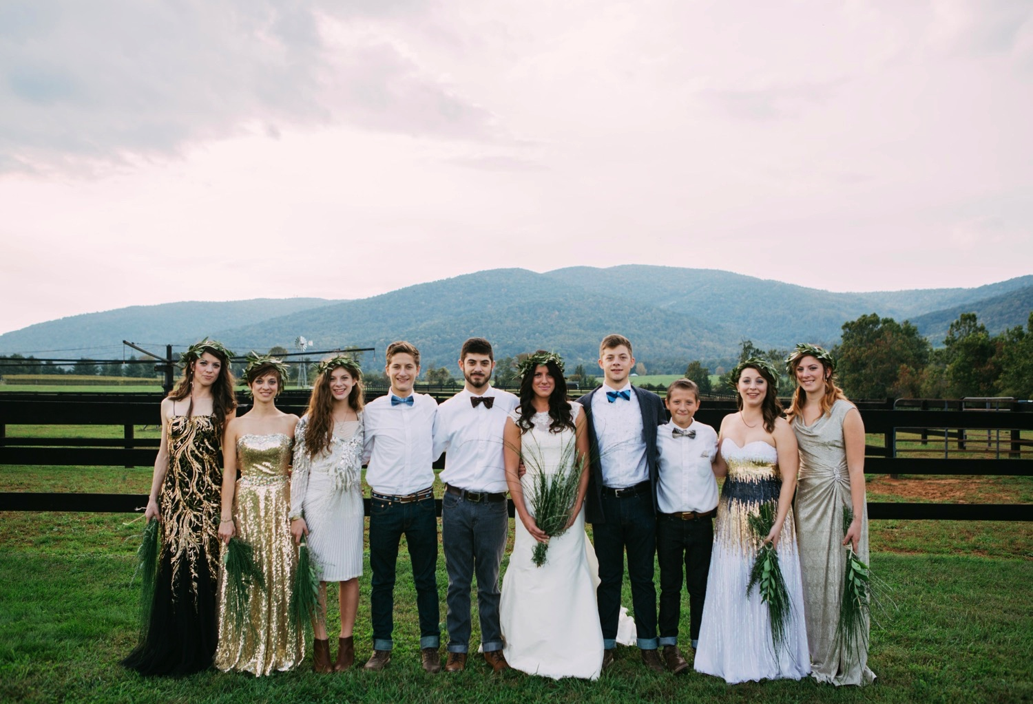 00011_arielandjon_odetooctober_026_gv_ridge_Wedding_blue_mismatched_dresses_october_flowers_parkway_mountains_crozet_king_photography_gianvaldiviaphoto_valdivia_bride_faded_family_gian_fall_virginia_bridesmaid_photographer_vineyard_poppy_florals.jpg