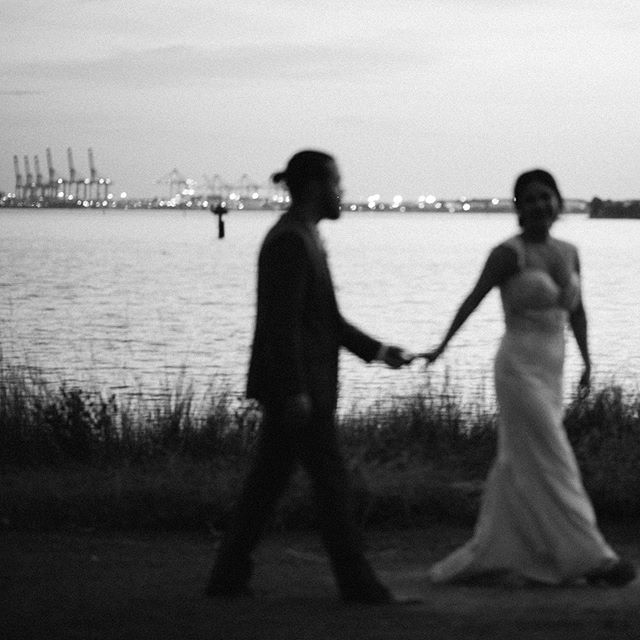 Black and white sunset. 🖤 _____ TEASERS in a form of a mini series from Rhea + Ben's beautiful, fall wedding are dropping beginning this weekend!!🙏🏽 _____ HAPPY FALL Y'ALL!! 🍁🧡 _____ Venue @hermitagemuseumva  DOC @eventsbyastro  Florals @thewanderingpetal  Lighting @srlweddings  DJ @djdannygray  Rental @distinctiveeventrentals  Catering @chefbydesign  Cake @incredibleediblesbakery  Photography @gianvaldiviaphoto  Video @mikewashington  _ #gianvaldiviaphoto #gvpcouples #hermitagemuseumva  #thewanderingpetal #teamwithmoxie  #srlweddings #chefbydesign #distinctiveeventrentals #fallweddingdress #norfolkweddingphotographer #757weddingphotographer