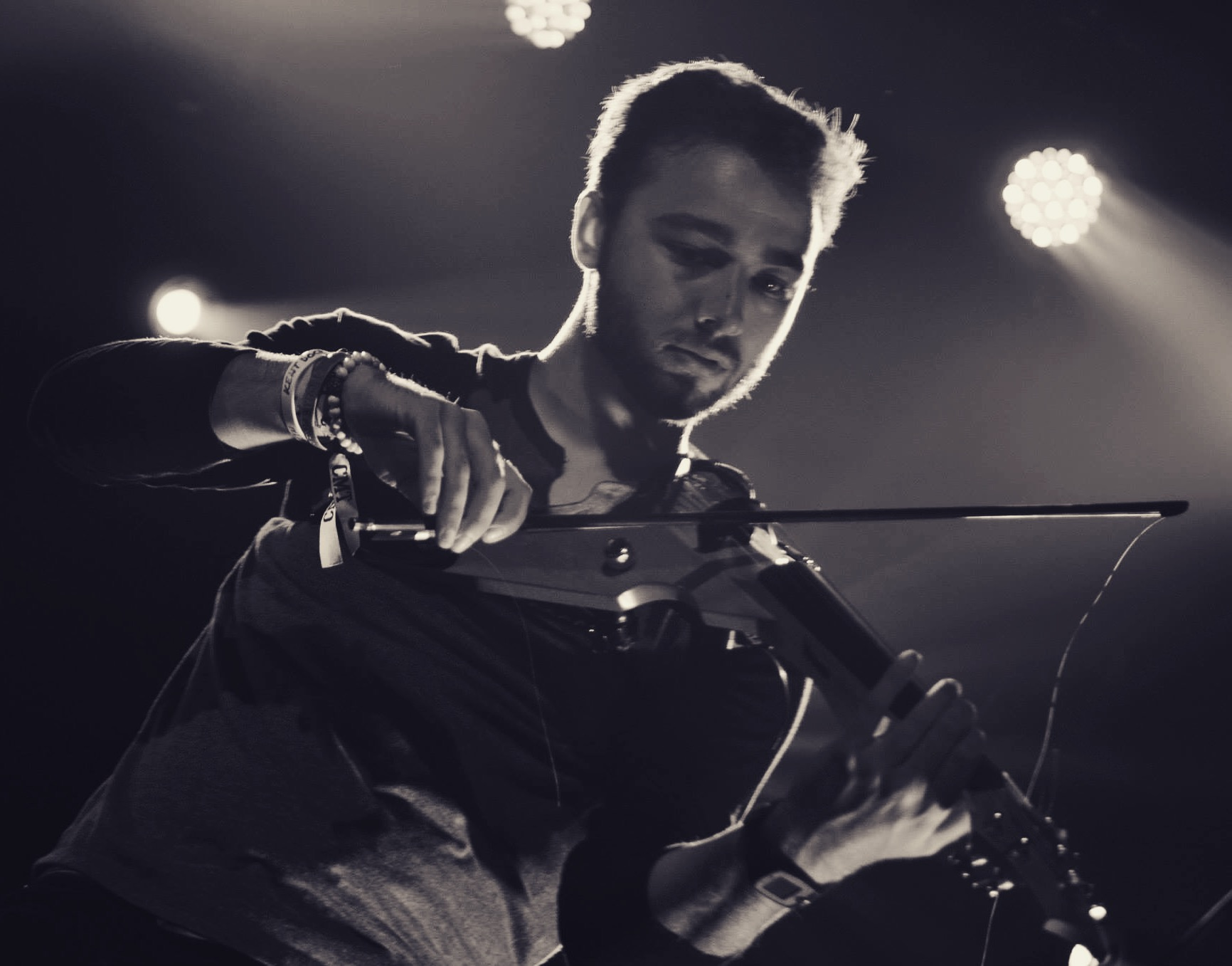 Hi! im kent dockus - Electric Violinist, Solo Artist, Music Education Advocate, Audio Engineer, Music Business Professional.Follow me on social media @KentDockusViolin