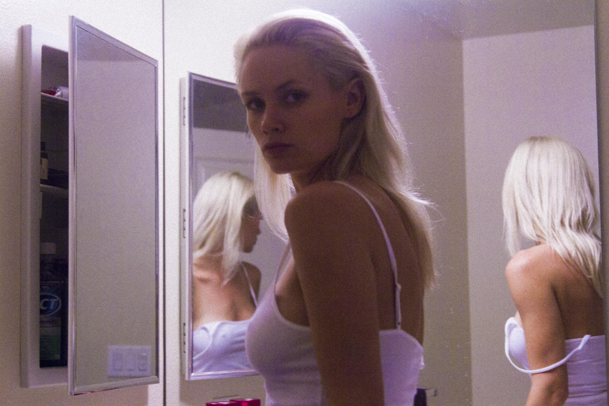 At Home with Lauren Bennett 08.jpg