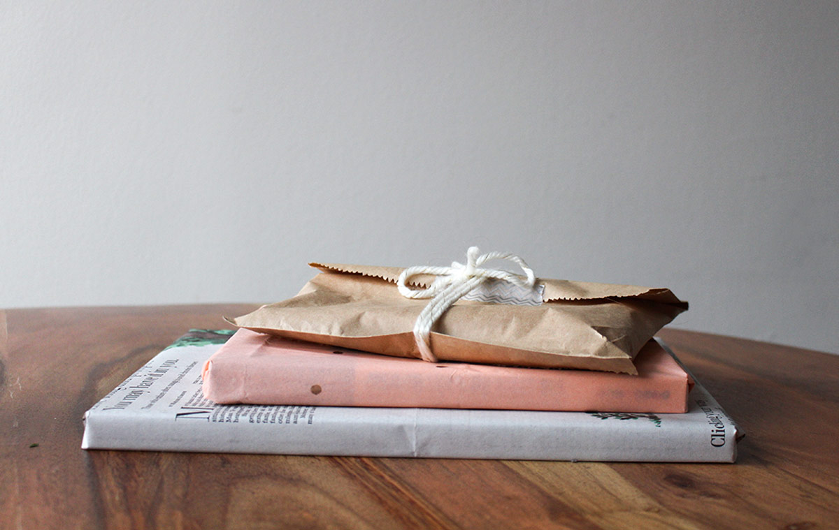 Simply Gifted:  3 last-minute gift wrapping ideas that take less than 5 minutes!