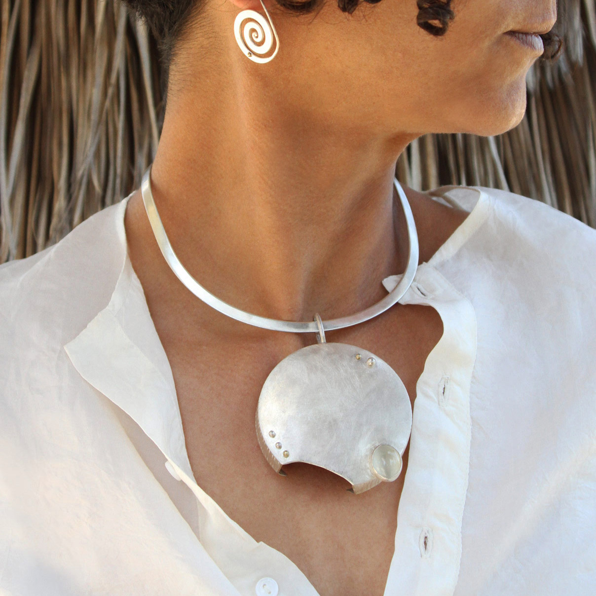 Handmade, one of a kind and a statement, this jewelry pieces is a must have!