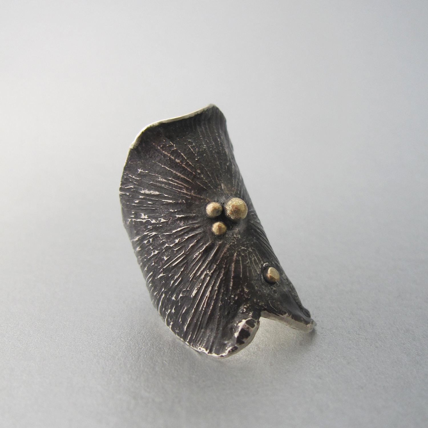 Relitto striato nero is an one of a kind ring handcrafted by the Italian jewelry designer