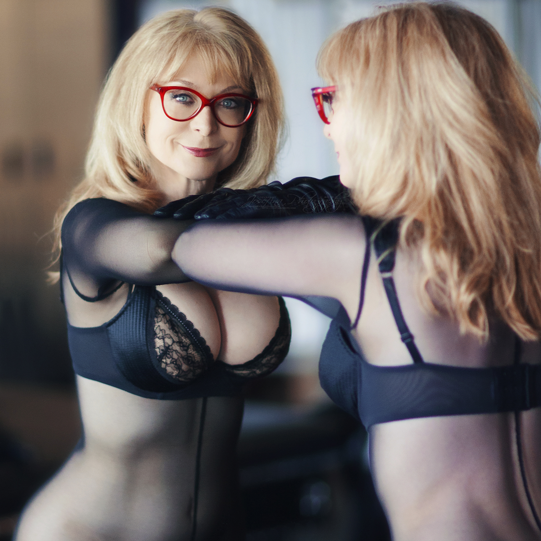 M / Nina Hartley || Copyright © Josefina Photography 2016