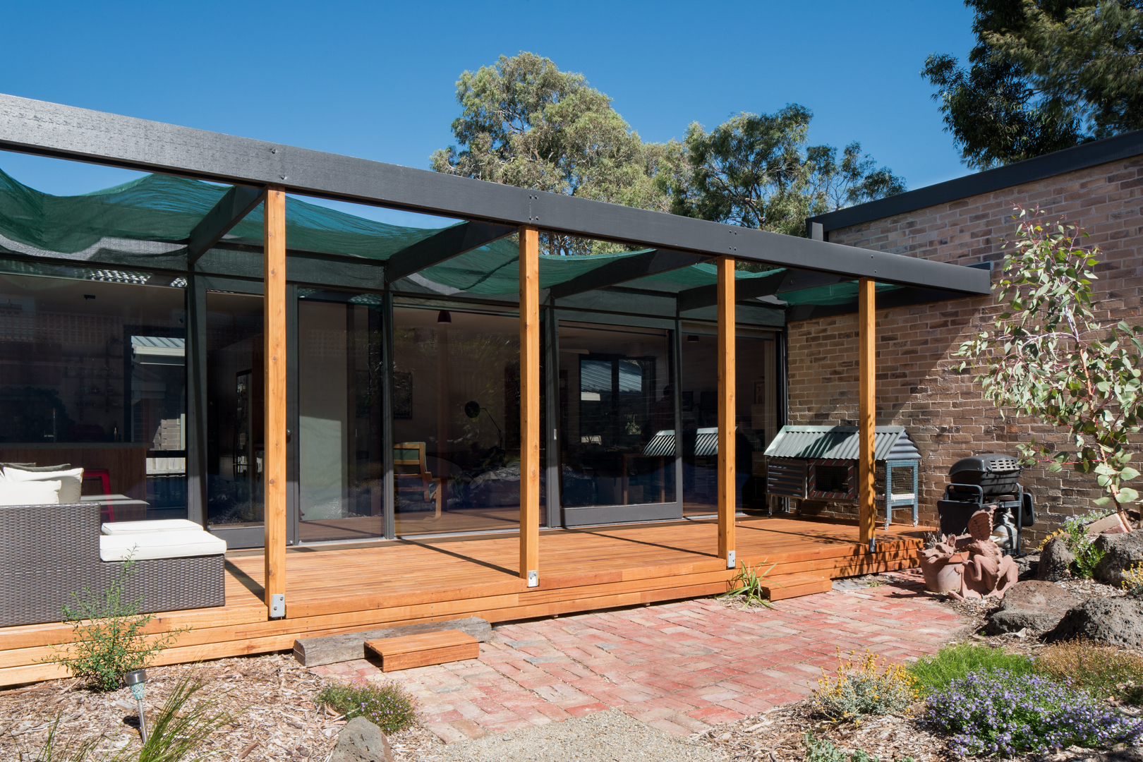 Timber Decking and Pergola, Silvertop Ash and Cypress Pine.   Photography by Charlie Kinross