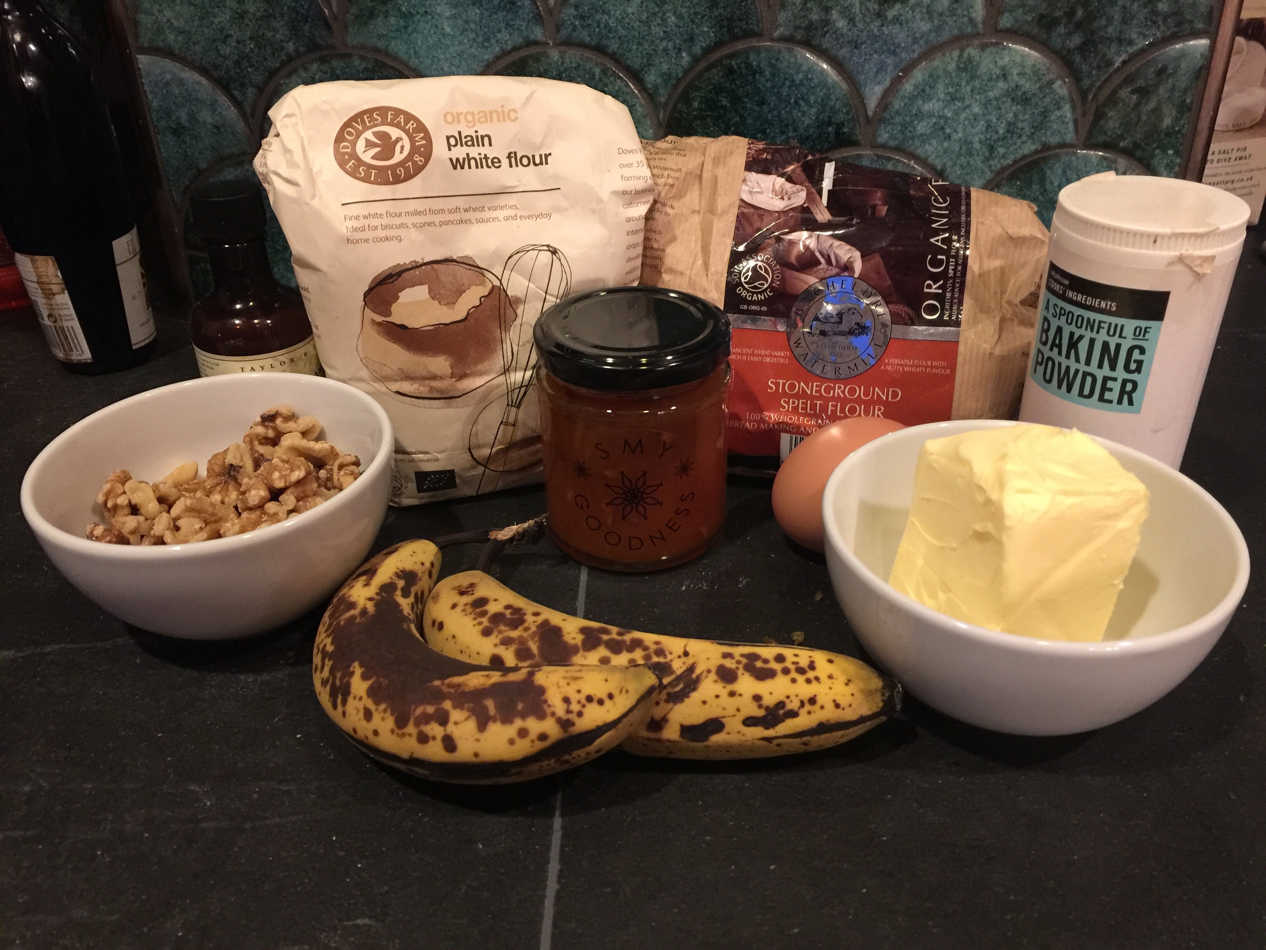 Banana & apricot compote muffin ingredients