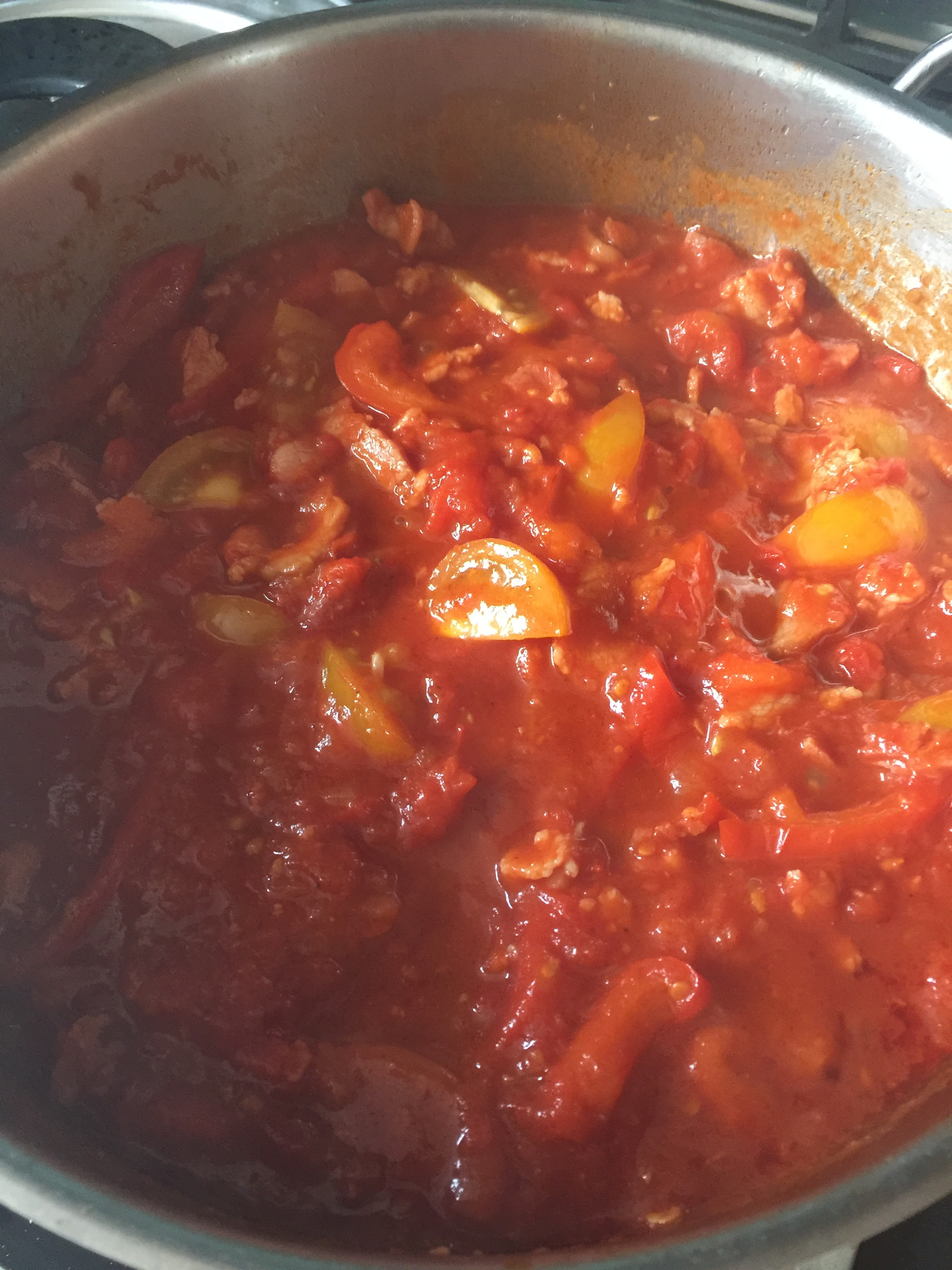 Tomato sauce with bacon