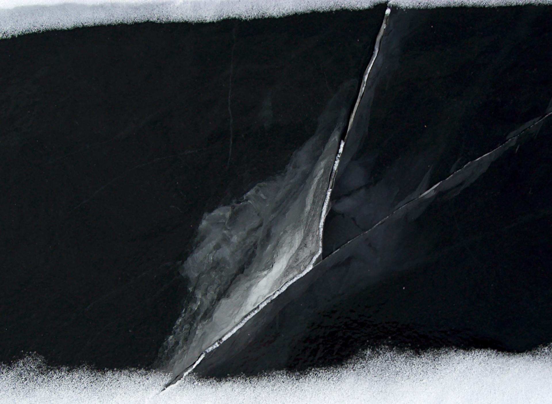 Black Ice 4.jpg