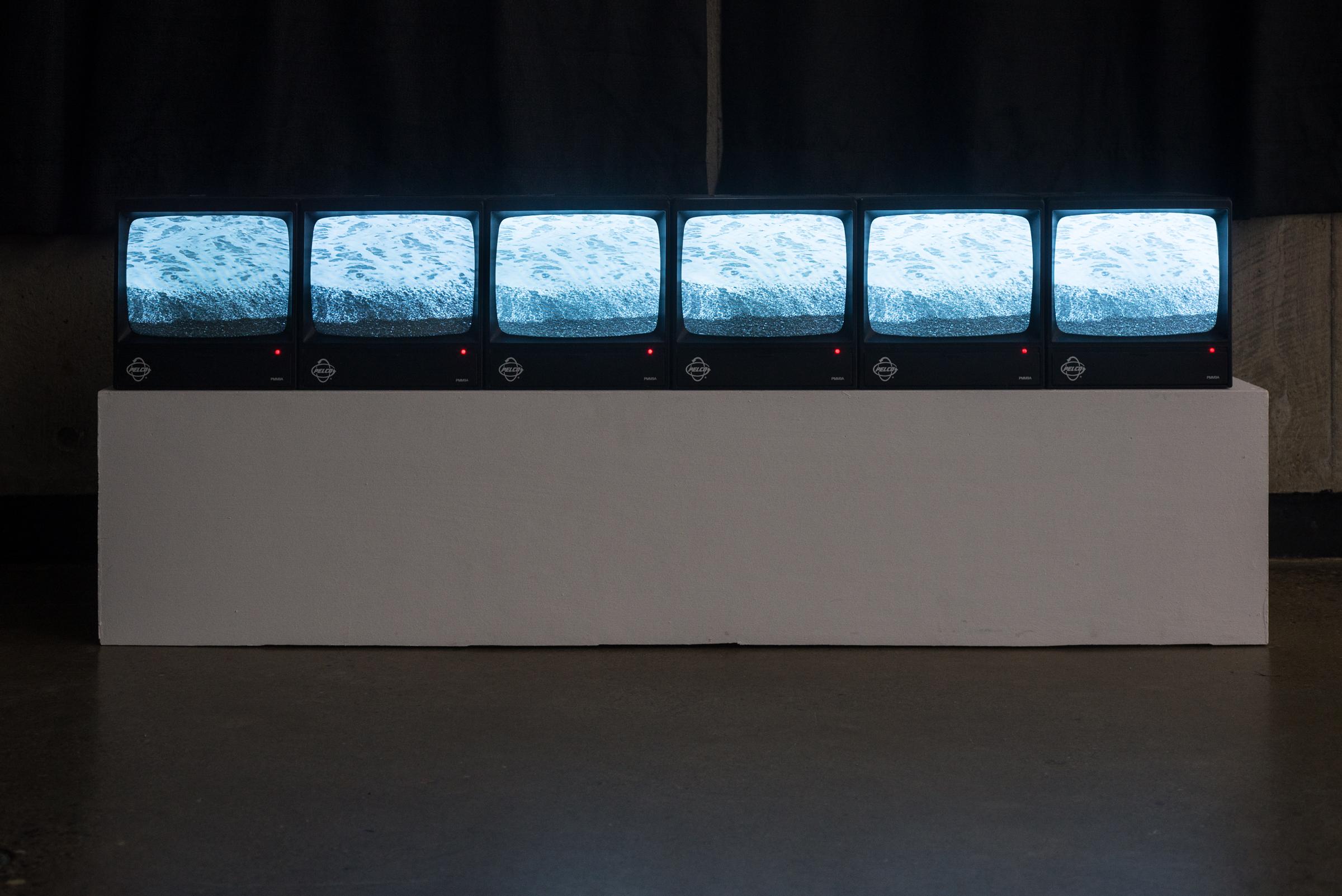 video-installation-opening-11.jpg
