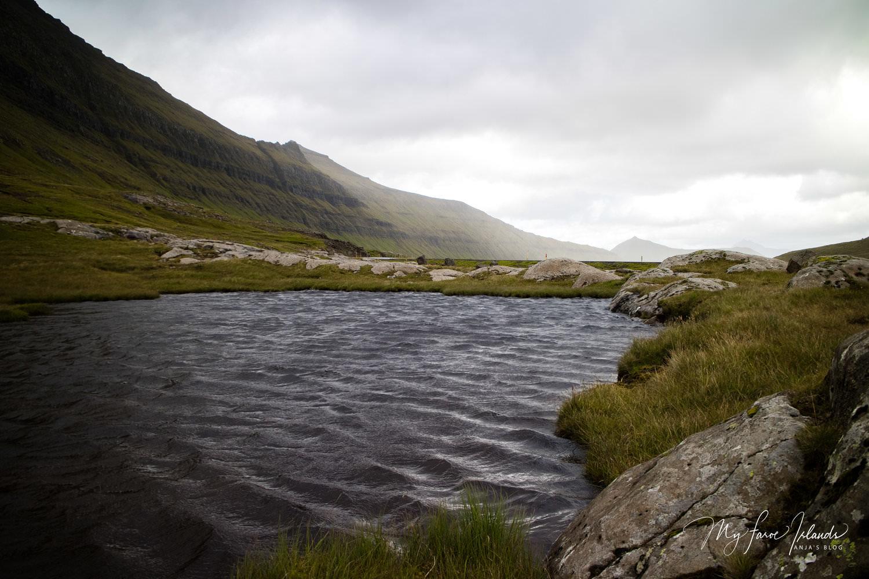 Dark+Lake+©+My+Faroe+Islands,+Anja+Mazuhn+.jpg