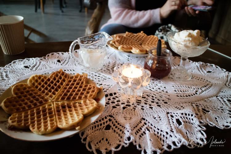 Cafe+Old+School+Waffles+©+My+Faroe+Islands,+Anja+Mazuhn+.jpg