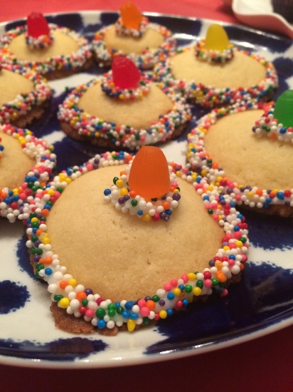 Attended a Cinco De Mayo party, and indulged in a few of these adorable sombrero cookies!