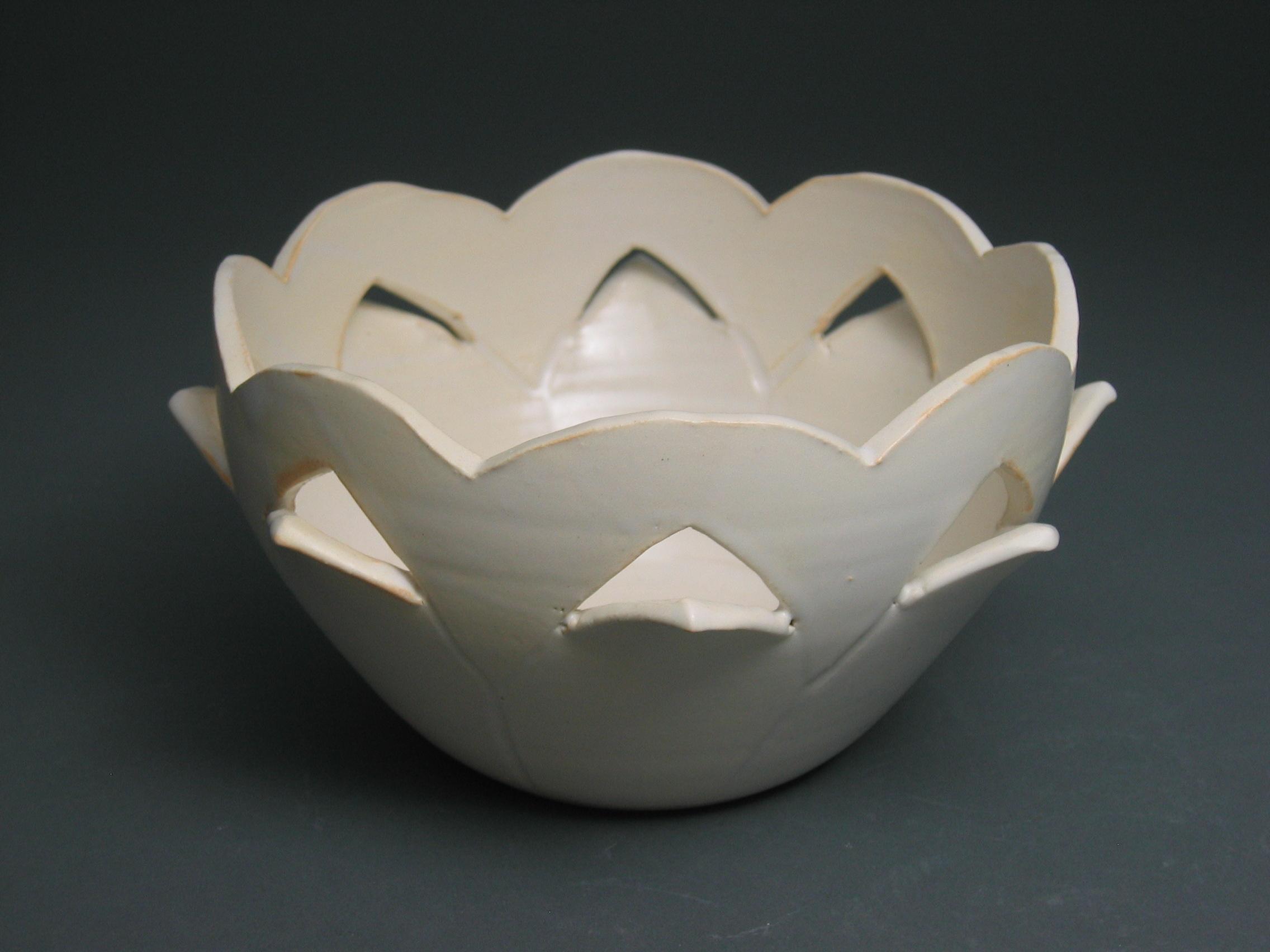 White flower bowl