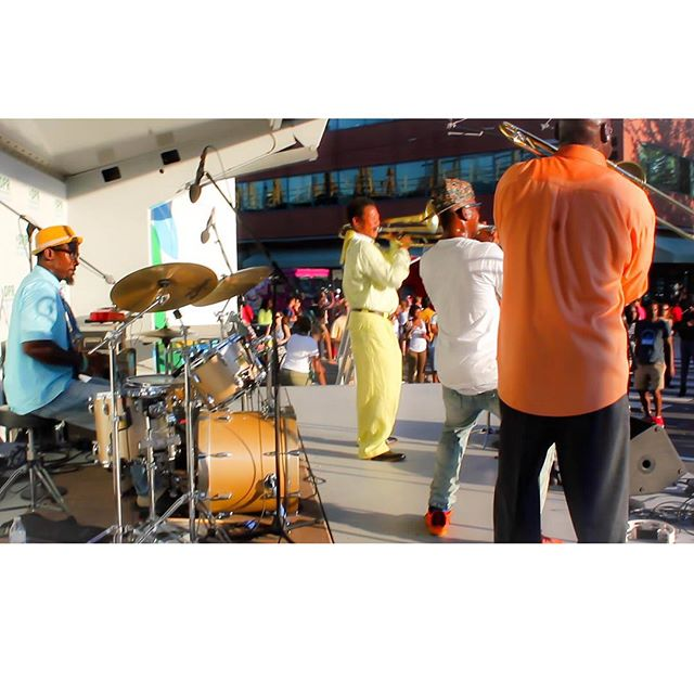 New Orleans style Jazz x Funk x Gogo = Spread Love Band at the H St Festival performance yesterday.  #spreadloveband #majorleaguelifestyle #hstfestival #hst