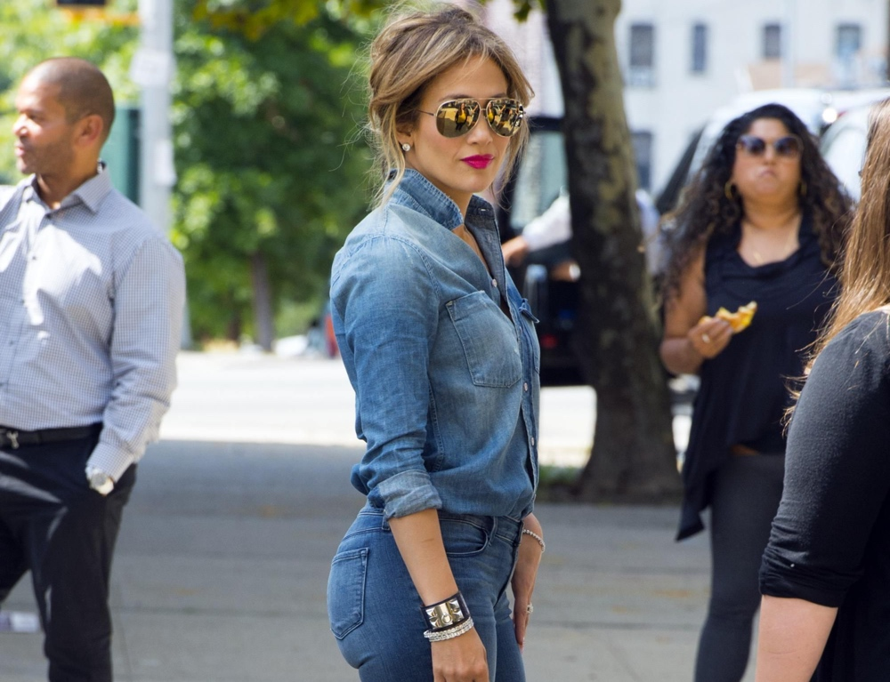 5 Jeans For Curvy Women That Fashion Girls Are Coveting Right Now I Am Co Mov (432 mb) / running time: 5 jeans for curvy women that fashion